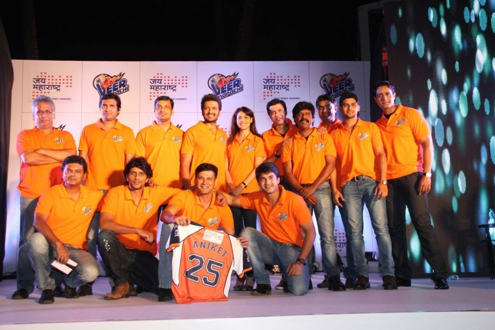 Ritesh & Genelia Deshmukh with his team players  at the Sahana Group association for Jai Maharashtra with Veer Marathi announcement at JW Marriott, Juhu,,