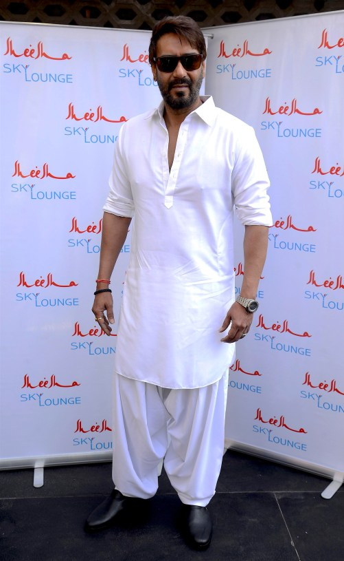 actor-ajay-devgn-makes-a-rare-appearance-at-the-launch-of-sheesha-sky-lounge-lower-parel