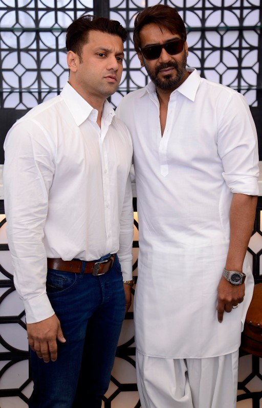 ali-reza-abdi-ajay-devgn-seen-at-the-launch-of-sheesha-sky-lounge-lower-parel