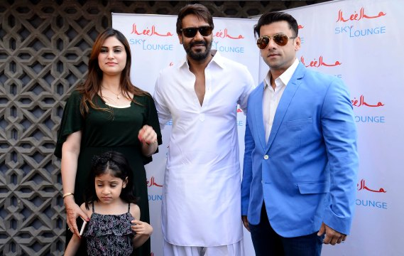 sakina-abdi-mr-ali-reza-abdi-brand-owner-of-sheesha-sky-lounge-with-ajay-devgn-at-the-grand-launch-of-sheesha-sky-lounge-in-south-mumbai-1